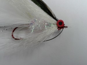 bass fly, weed guard hook, fly tying, saltwater fly anglers of delaware, delaware surf fishing, fly fishing