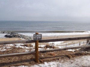 no tresspassing onthe dunes sign, dune sledding, cape henlopen
